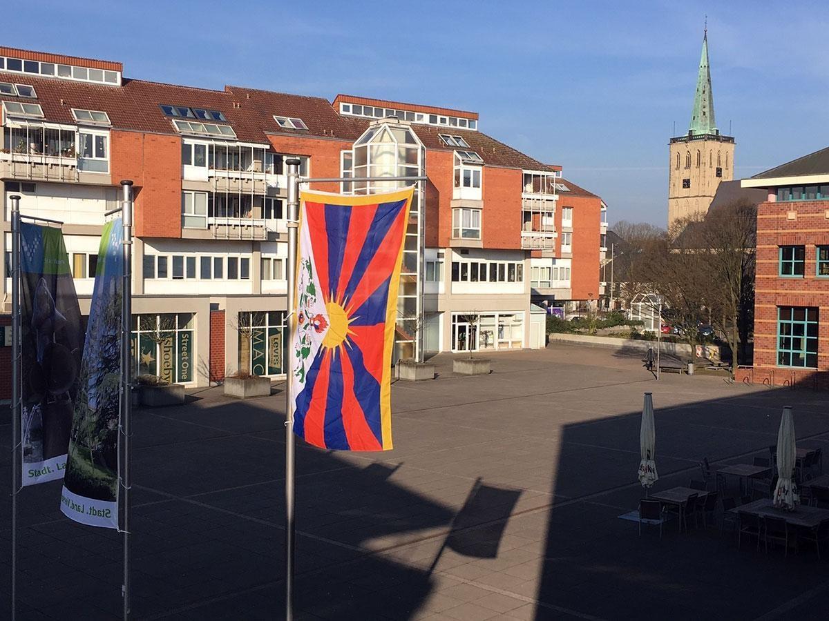 Bild: Viersen zeigt Flagge für Tibet