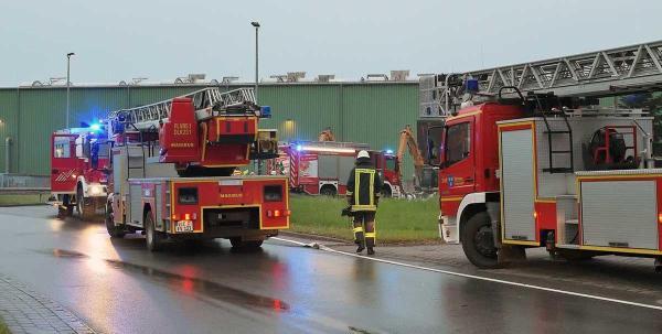 Bild: Feuer auf Mülldeponie in Süchteln