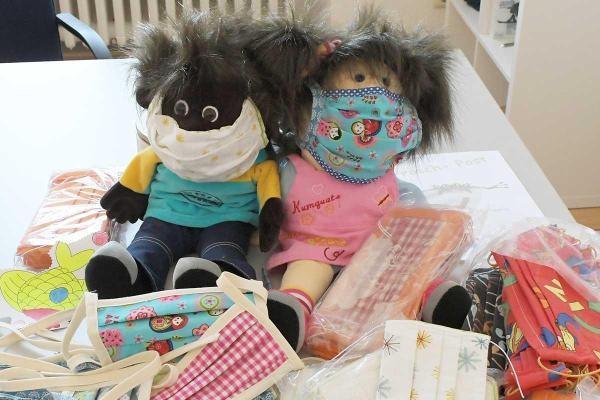 Bild: Masken für die Großen und die Kleinen